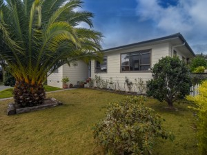 Property for sale 21 Baillie Crescent