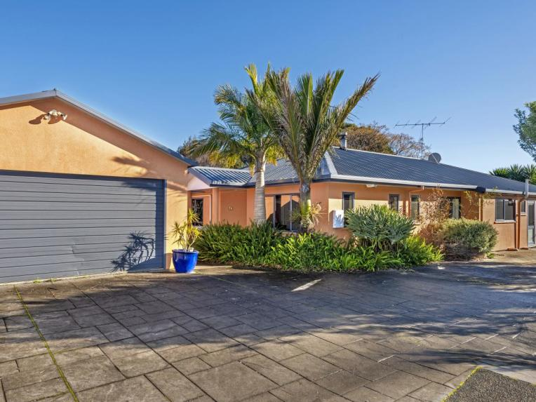 51 Potae Avenue, Lytton West
