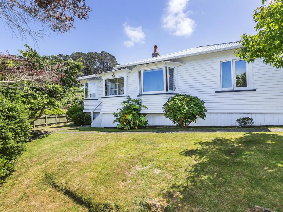 12 Sunshine Avenue, Karori