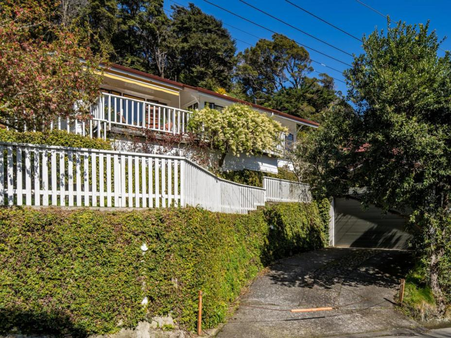 36 Moana Road, Days Bay