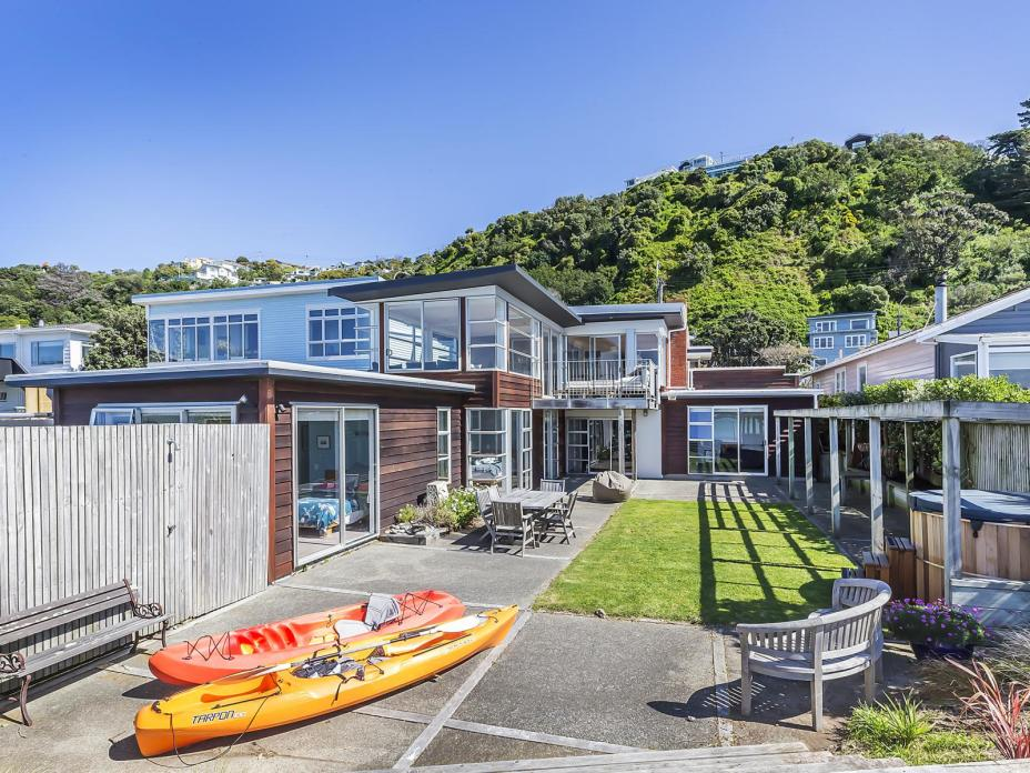273 Queens Drive, Lyall Bay