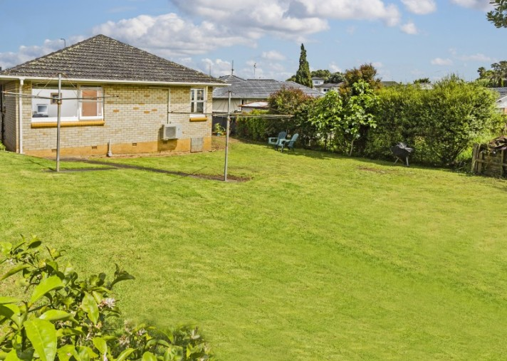 2-2 Mcdonald Crescent, Mount Wellington