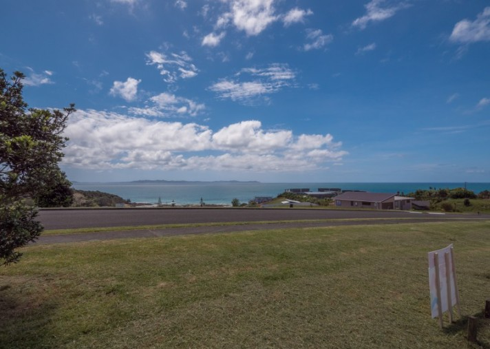 36 Dudley Crescent, Cable Bay
