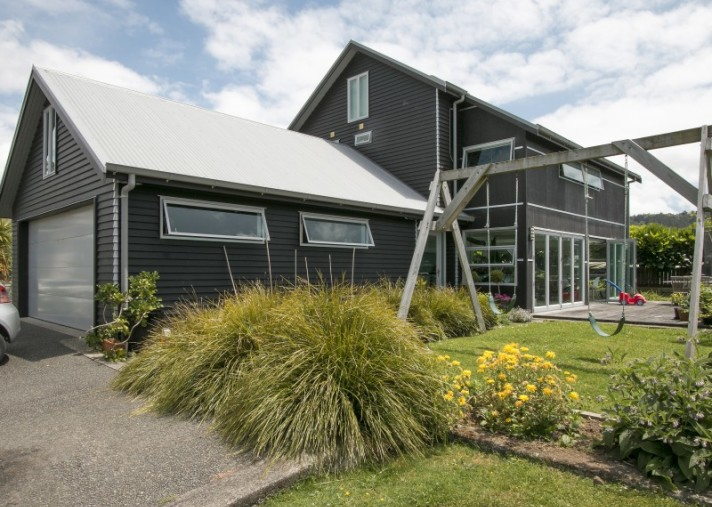 16 Palm Grove, Waihi Beach