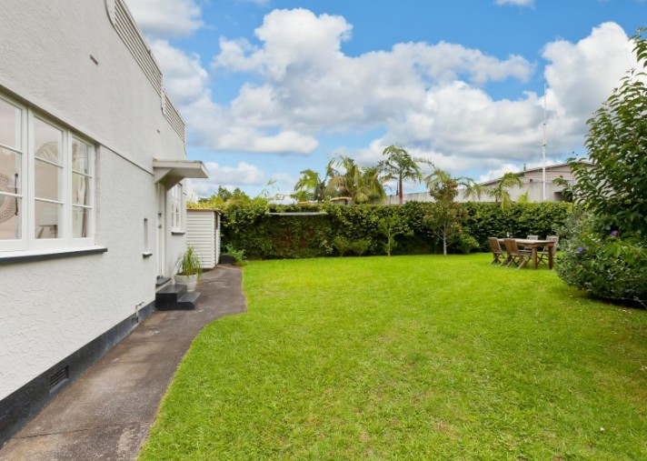2/514 Pt Chevalier Road, Point Chevalier