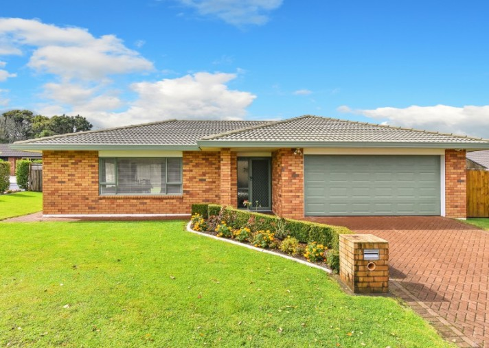 18 Norm Pellow Drive, The Gardens