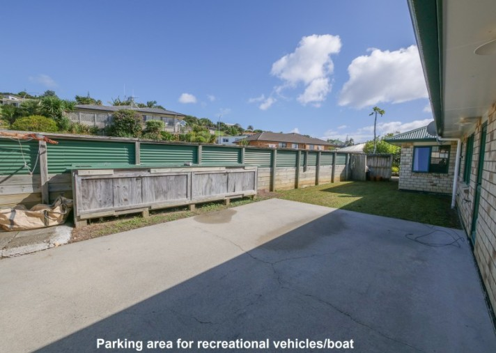 20 Hibiscus Avenue, Cable Bay