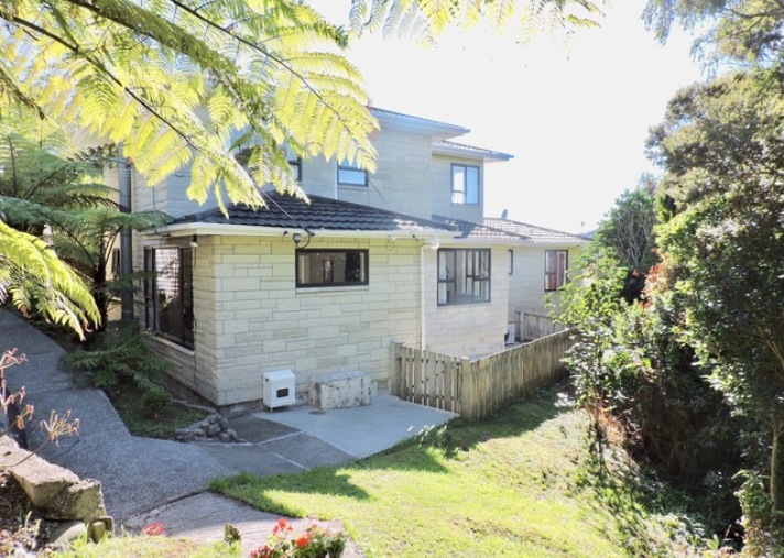 13 Chester Road, Tawa