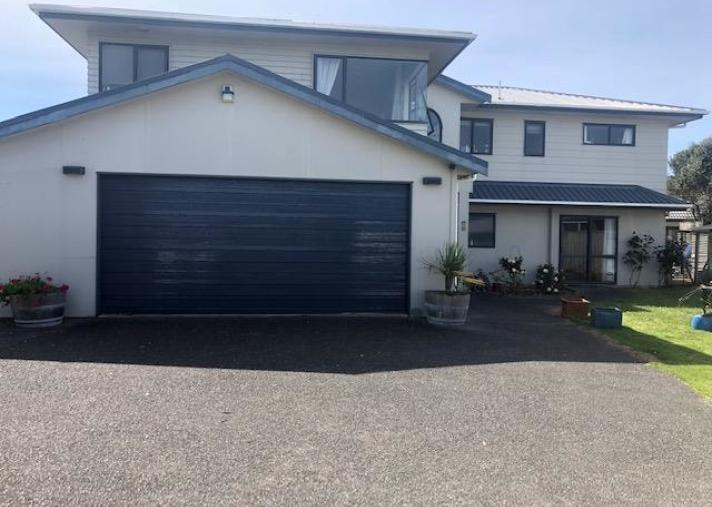 135 Field Way, Waikanae Beach