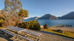 6 Scenic Drive, Lakeside Estate