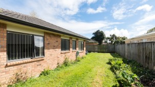 27 Wakefield Road , Favona