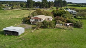 93 Black Road, Otatara