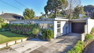 14 Arthur Road, Hill Park