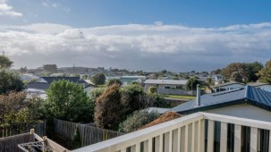 37 Scott Avenue, Otaki Beach