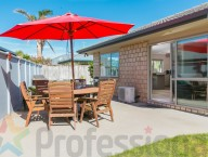10 Shark Bay Close
