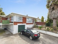 24 Waterview Road West
