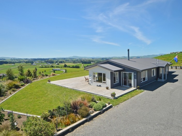 183b-smith-road-dannevirke