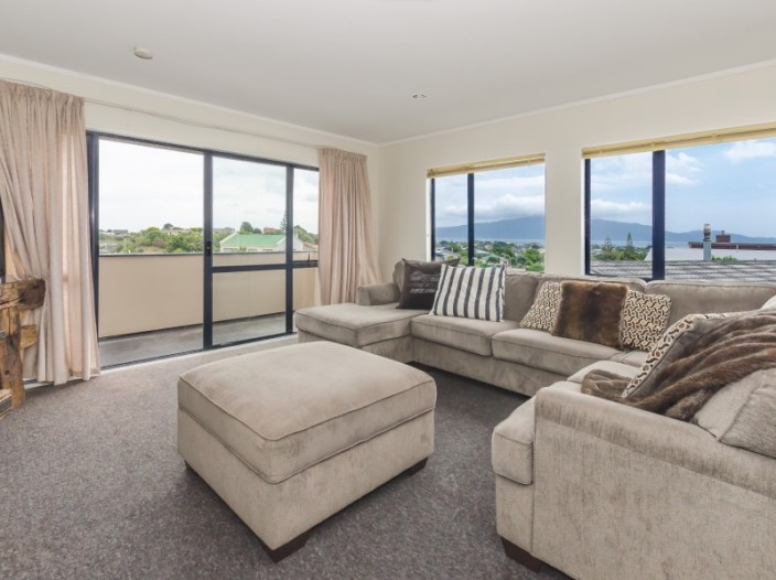 13-trig-hill-terrace-waikanae-beach