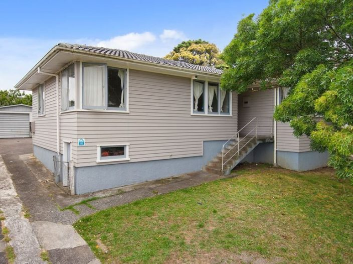 12-chingford-close-mangere