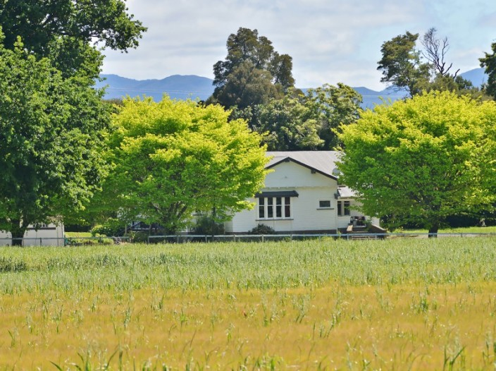 2072-lake-ferry-road-featherston