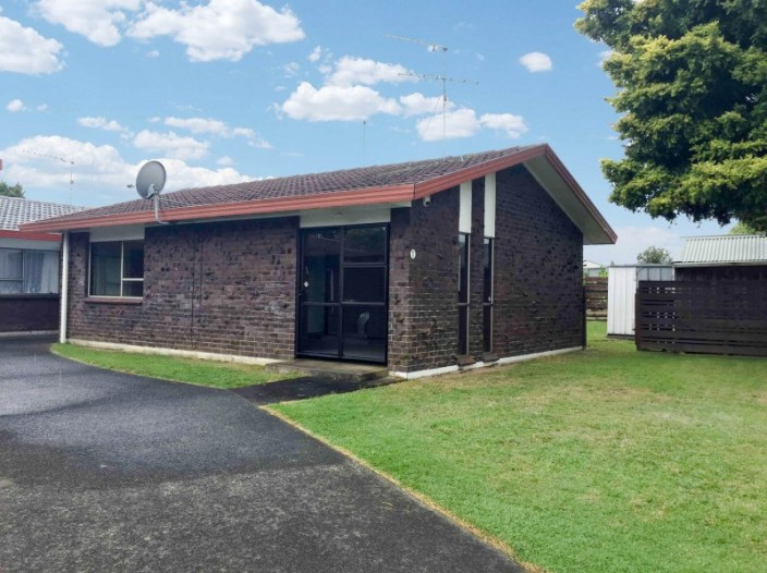 unit-1-29-trentham-road--papakura