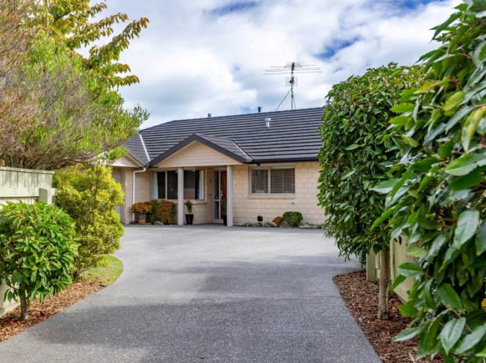 7-ashleigh-way-waikanae-beach