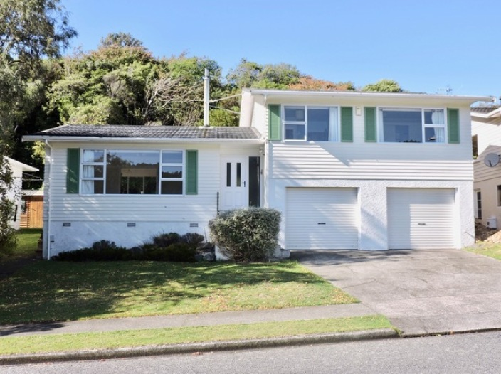 8-st-catherines-terrace-tawa