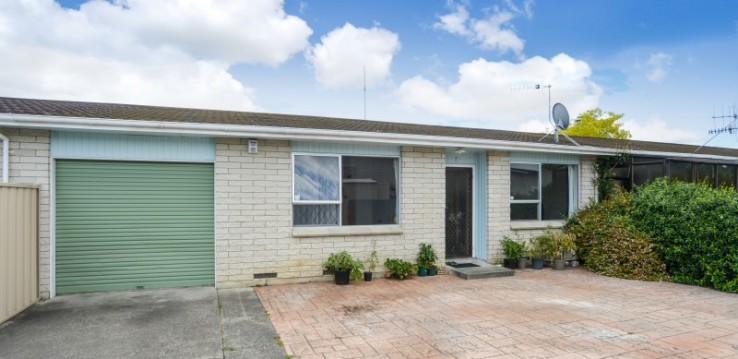 Affordable Parkvale unit