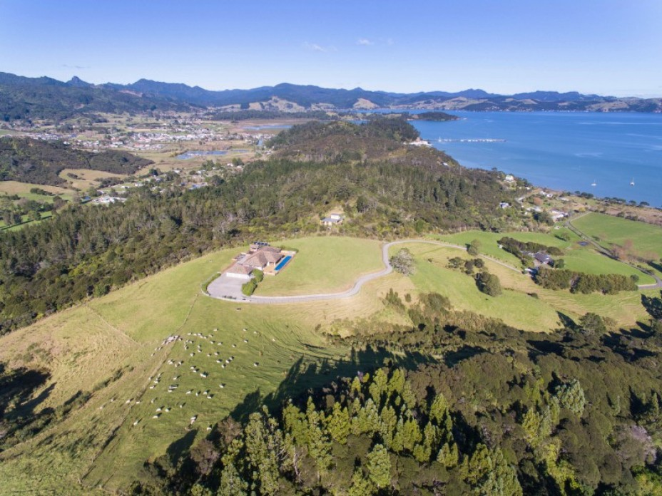 2290 Long Bay Road, Coromandel