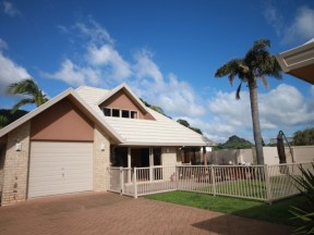 Unit B, 36 Pauanui Beach Road