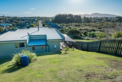 42-harry-shaw-way-raumati-south