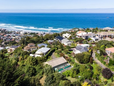 10 and 10A Earls Road, St Clair