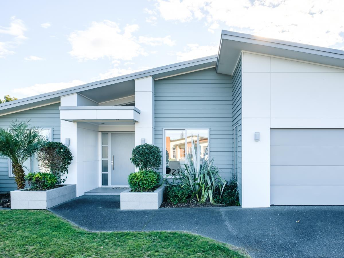 2 Fisher Place, Lytton West