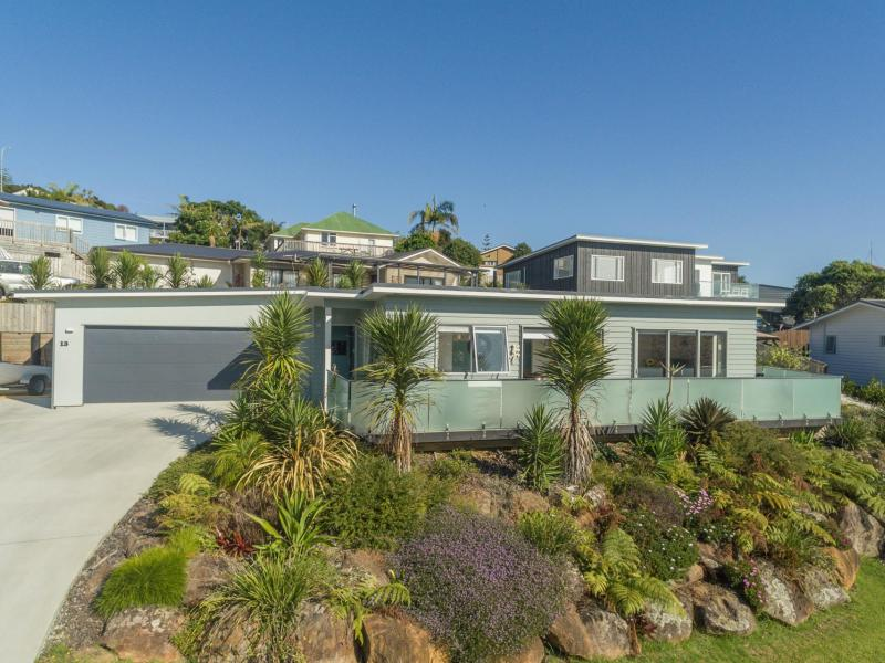 13 Protea Drive, Cable Bay