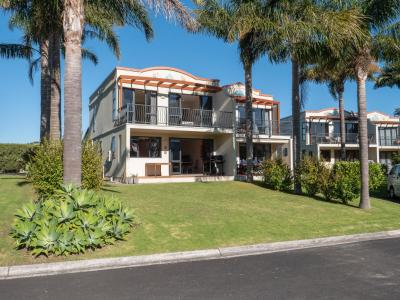 Unit 4, 12 Bayside Drive, Coopers Beach