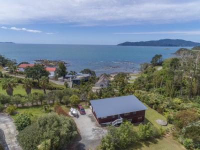 44 Heretaunga Crescent, Cable Bay