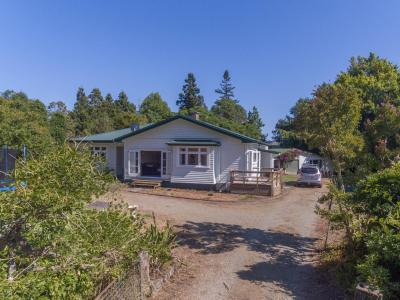 852 Backriver Road, Peria