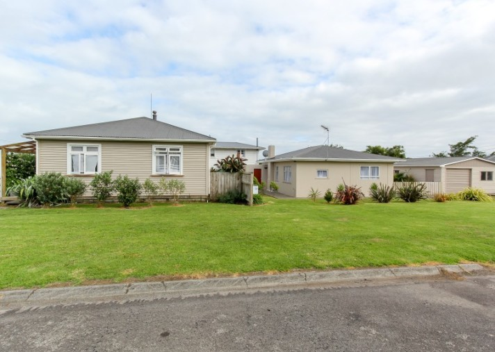 51a and b Richmond Street, Waitara