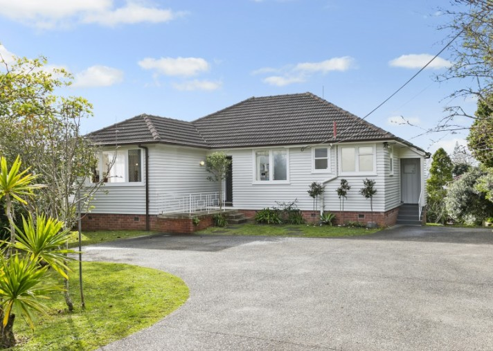 13 Murray Road, Te Atatu Peninsula