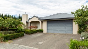 10 Wildhawk Place, Shirley