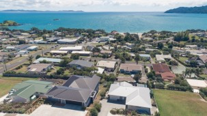 5 Christine Drive, Coopers Beach