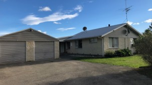 100 Lyndhurst Road, Lauriston