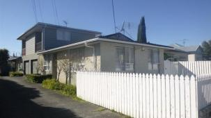 Unit A, 61 Bristol Square, Central Hutt