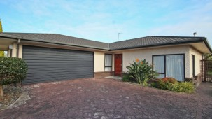 36 Strachan Way, Westbrook