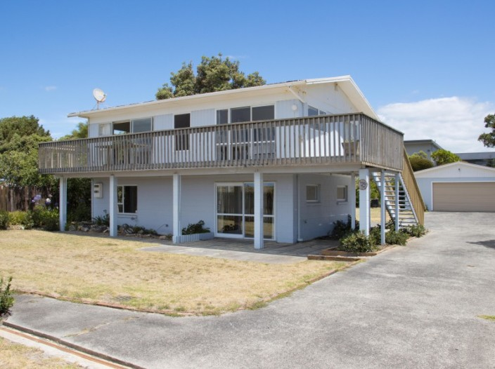 76-broadway-road-waihi-beach