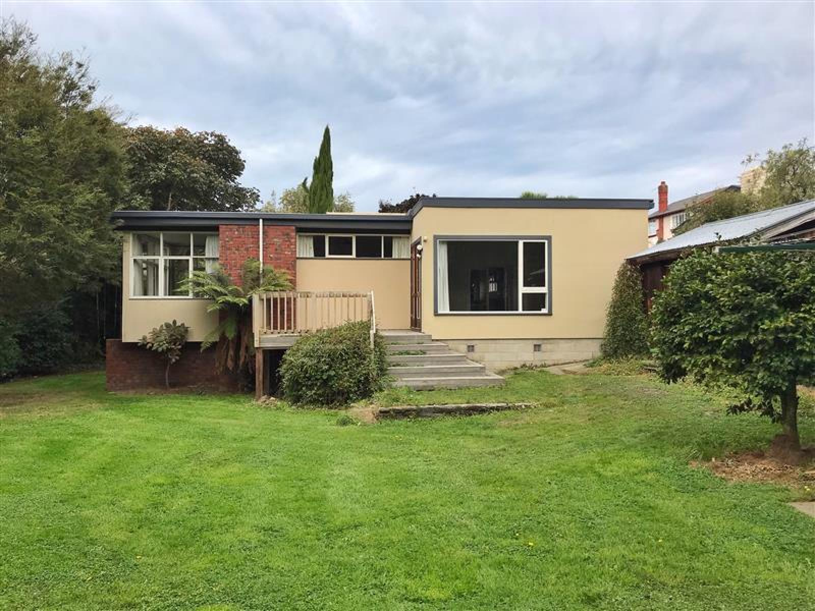 40 Kitchener Square, Highfield