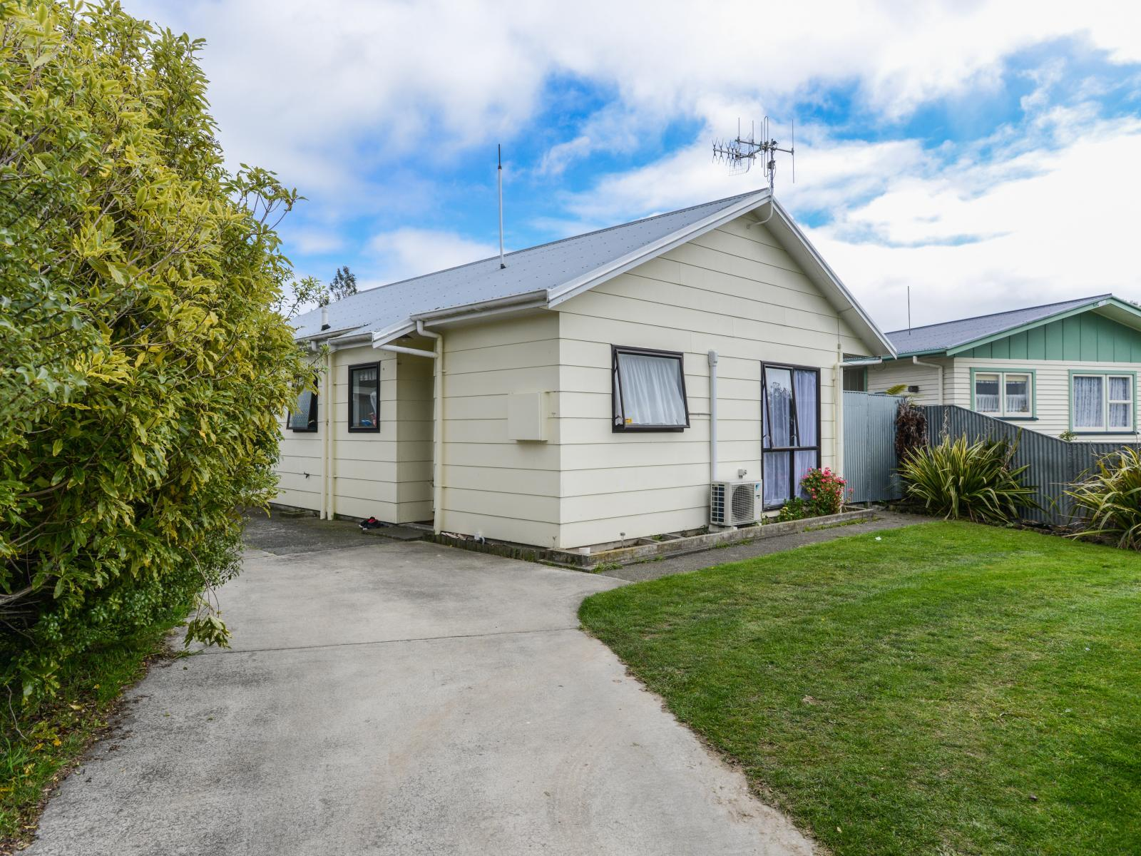 69A Riverbend Road, Onekawa