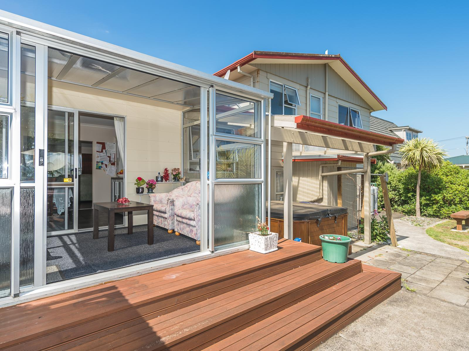 85 Lincoln Road, Springvale