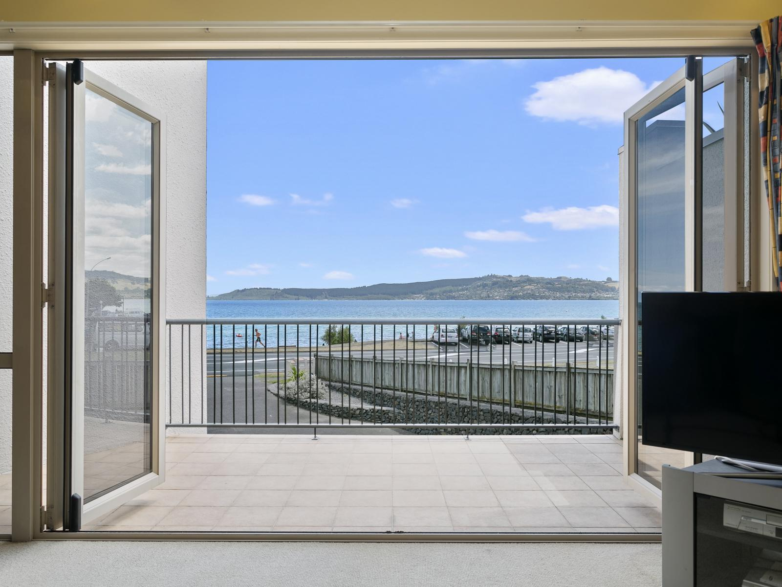 Unit 2, 144 Lake Terrace, Taupo