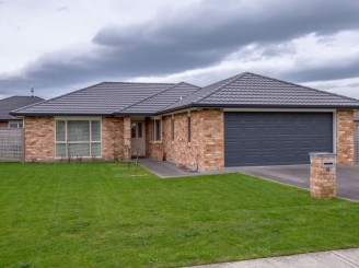 41 Hilton Road, Carterton